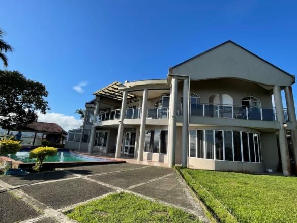25 Narain Place , Tamavua . Suva. Image count(title)%